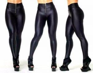 mujeres en leggins