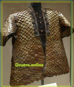 traje de piel de pangolin